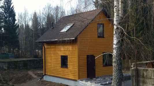 маленький каркасный домик